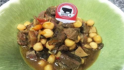 Receta de garbanzos con IGP Carne de Ávila